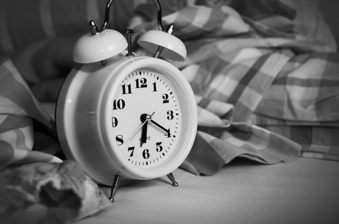alarm-clock-1193291_1920.jpg