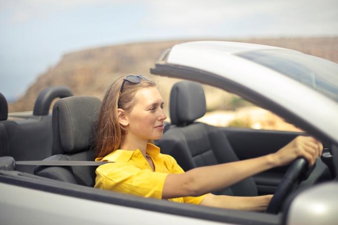 car woman drive.jpeg