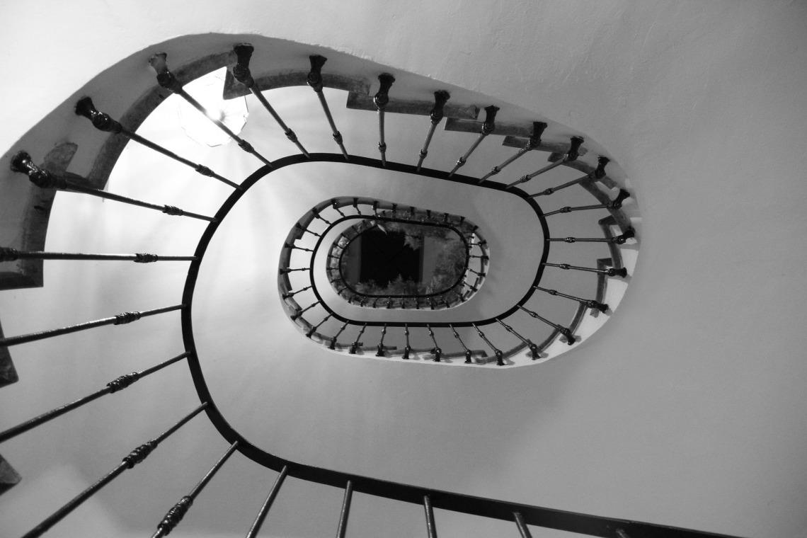 ladder-2202669_1920.jpg