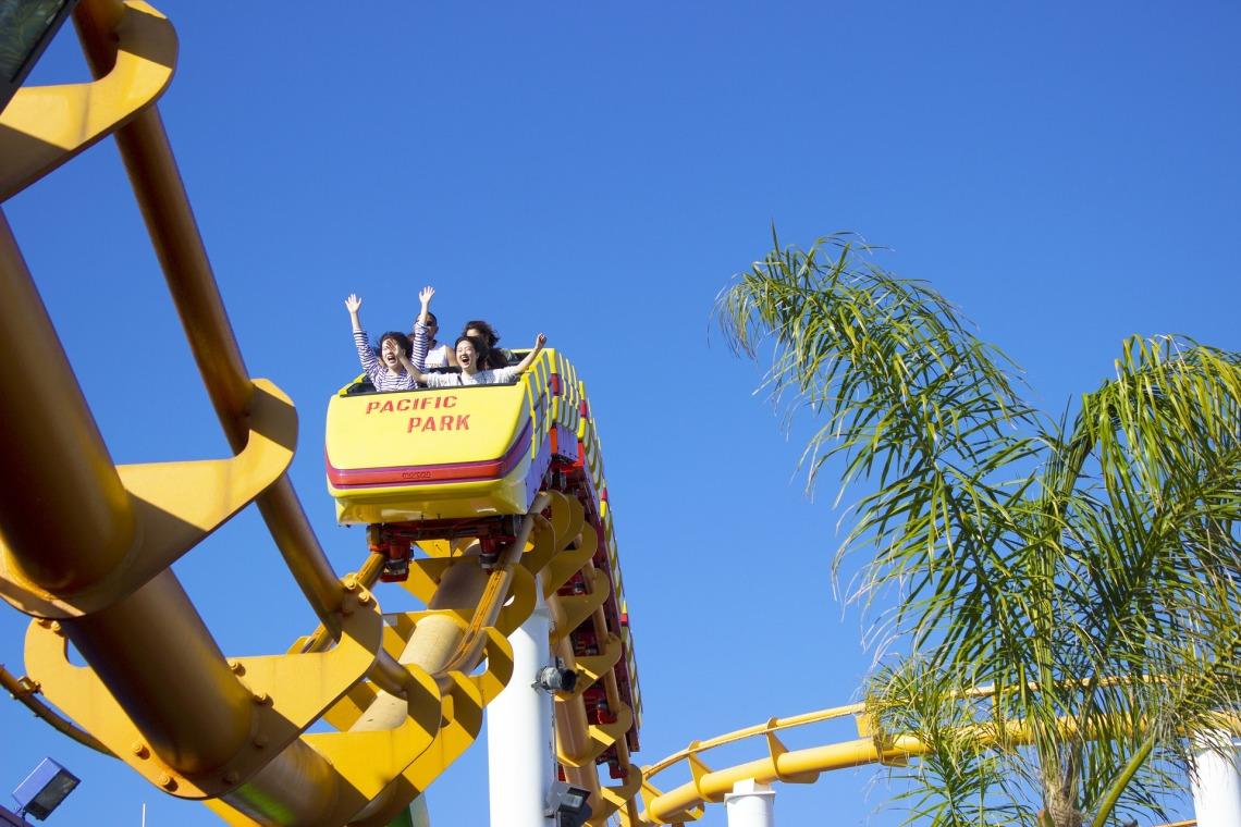 roller-coaster-2475115_1920.jpg