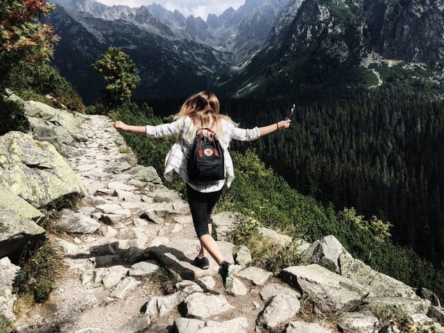 hike solo