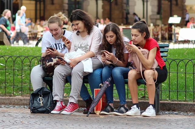 girls phones